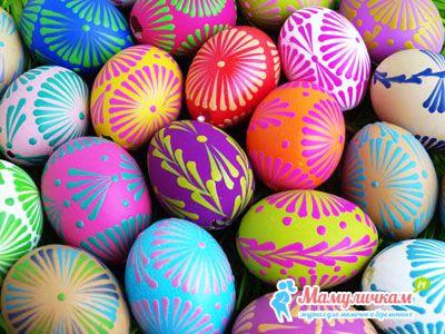 Как покрасить яйца на Пасху горячим воском своими руками фото