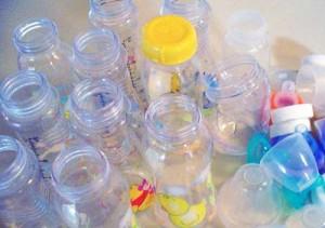Стерилизованные детские бутылочки на фото