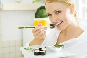Почему нельзя или можно есть суши при беременности