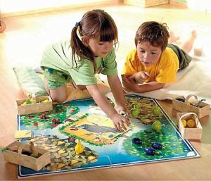 Настольные игры развивают социальные навыки у детей фото